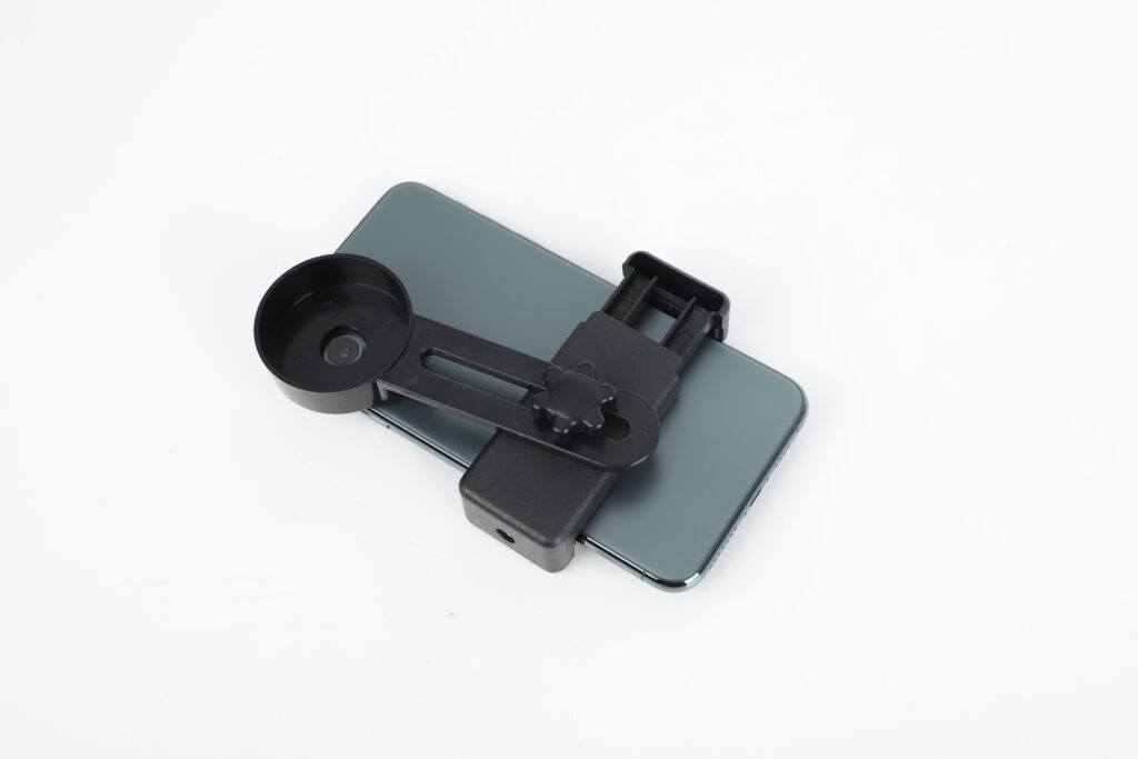 An image depicting working of starscope monocular for iPhone